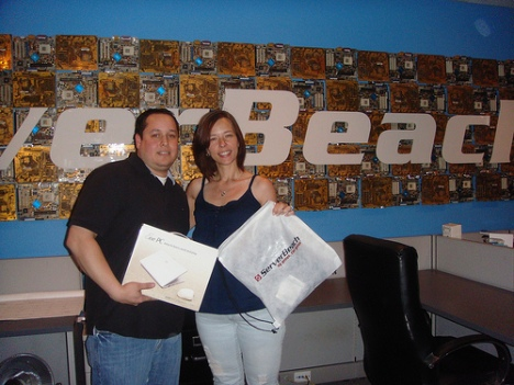 New ServerBeach Customer collects his Netbook gift from our 48 Hr Twitter promo.